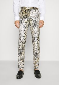Twisted Tailor - STEELE SUIT - Suit - champagne - 4
