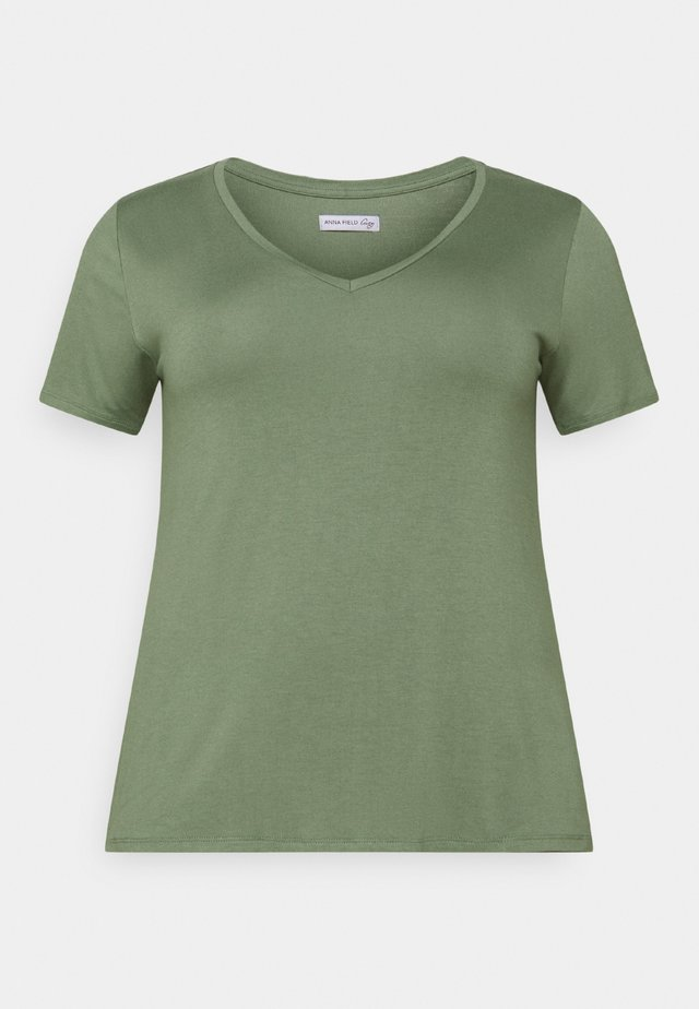 Basic T-shirt - laurel wreath