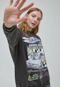 PULL&BEAR - Sweatshirts - mottled dark grey - 3