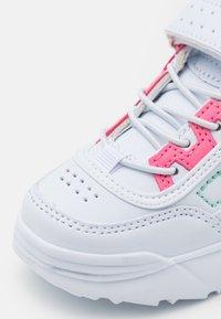 Kappa - UNISEX - Chaussures d'entraînement et de fitness - white/mint - 5