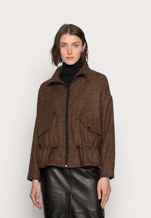 CAINA COAT - Lehká bunda - black/russet