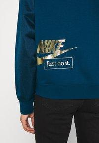 Nike Sportswear - Zip-up hoodie - valerian blue/deep ocean - 7