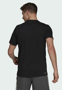 adidas Performance - AEROREADY DESIGNED 2 MOVE SPORT T-SHIRT - T-shirts med print - black - 1