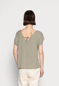 s.Oliver - T-shirt - bas - summer khaki - 2