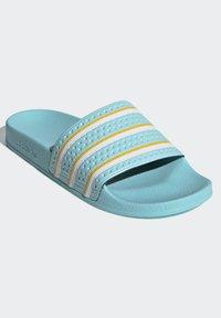 adidas Originals - ADILETTE SLIDES - Pantoffels - blue - 3