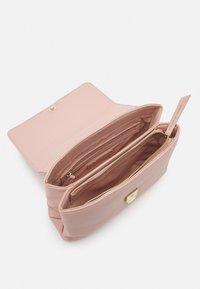 Valentino Bags - ELM - Handbag - rosa - 2