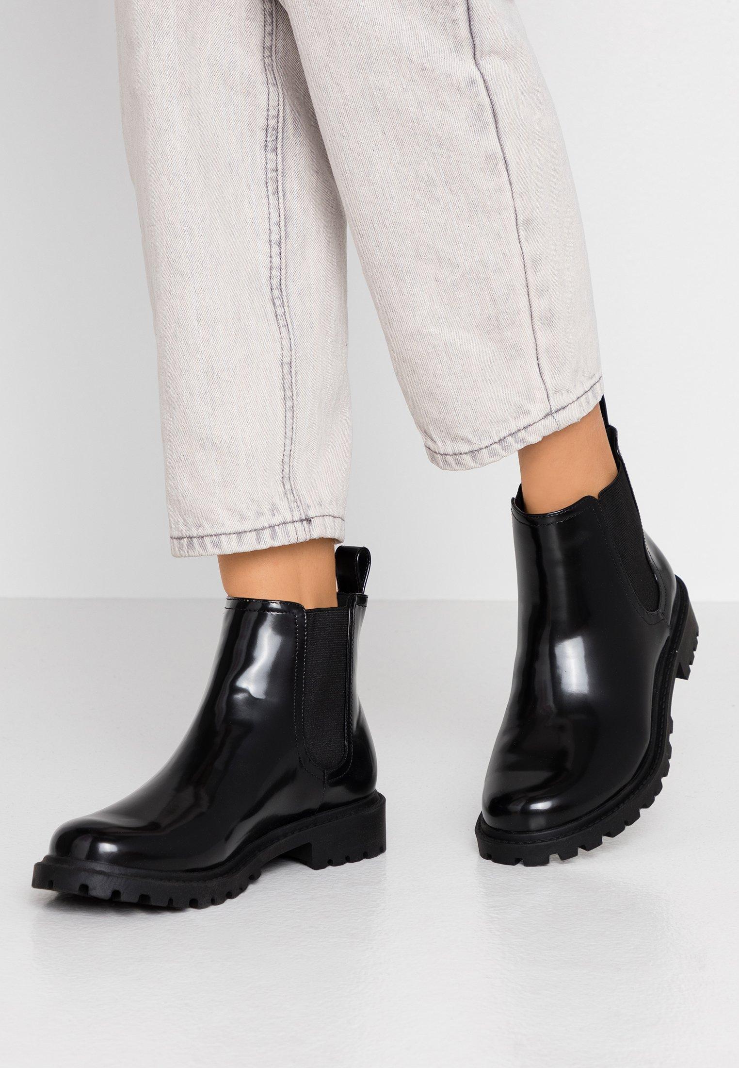 Monki NOMI - Ankle boots - black