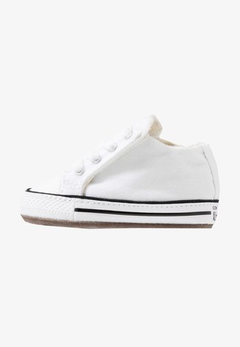 CHUCK TAYLOR ALL STAR CRIBSTER MID