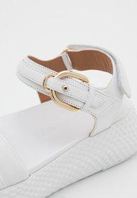 Emporio Armani - Sandály na platformě - white - 6