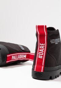 Palladium - PAMPA HI DARE UNISEX - Veterboots - black - 5