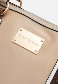 River Island - Weekend bag - beige light - 4