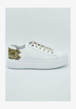 HAND MADE GENUINE - Sneaker low - eden s white