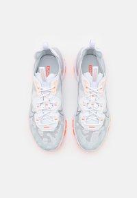Nike Sportswear - REACT VISION SE - Zapatillas - white/light smoke grey/sail/crimson tint/hyper crimson - 3