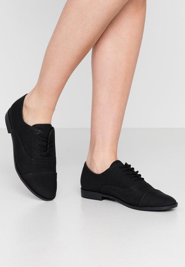 JOLIAN - Šněrovací boty - black