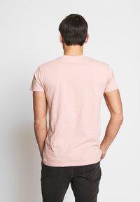 Samsøe Samsøe - KRONOS  - Basic T-shirt - misty rose - 2