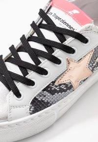 Les Tropéziennes par M Belarbi - WING - Sneakersy niskie - grey - 2