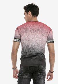 Cipo & Baxx - Print T-shirt - red - 2