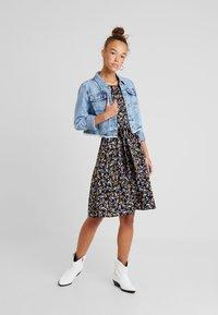 Dorothy Perkins Petite - DITSY BUTTON DRESS - Day dress - black - 2