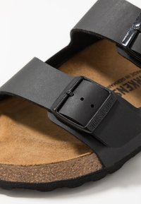 Birkenstock - ARIZONA - Klapki - black - 5