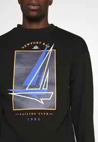 Newport Bay Sailing Club - BOAT CREW - Sweatshirt - black - 4