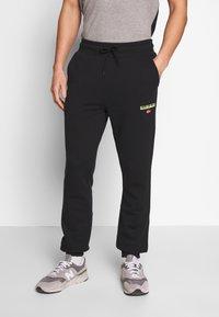 Napapijri - MERT - Pantalones deportivos - black - 0