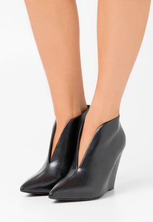 JOELLE - High heeled ankle boots - black