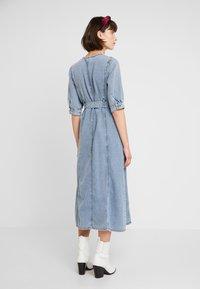 Gestuz - PIETTA DRESS - Denim dress - light-blue denim - 2