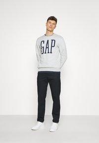 GAP - LOGO - Sweatshirt - light heather grey - 1