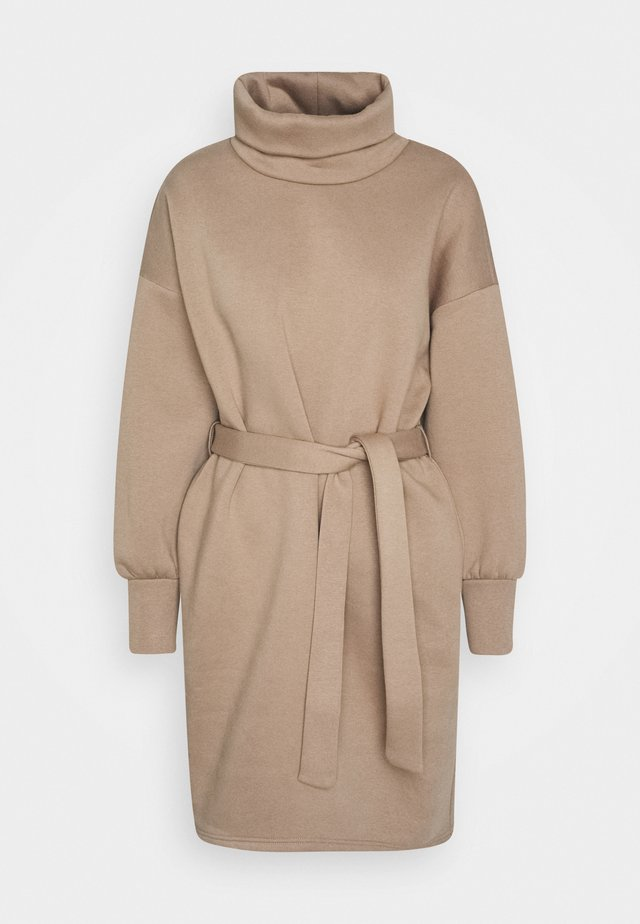 ONLKYLIE HIGHNECK BELT DRESS - Korte jurk - beige