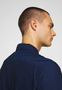 Levi's® - SUNSET 1 POCKET STANDARD - Skjorta - med indigo - 3