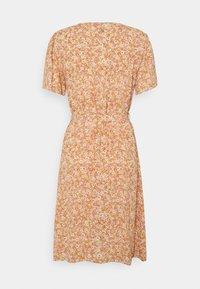 YAS - YASFARINA SHORT DRESS - Day dress - golden straw - 1