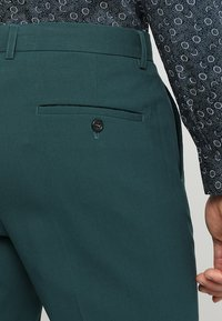 Lindbergh - PLAIN MENS SUIT - Kostuum - dark green - 7