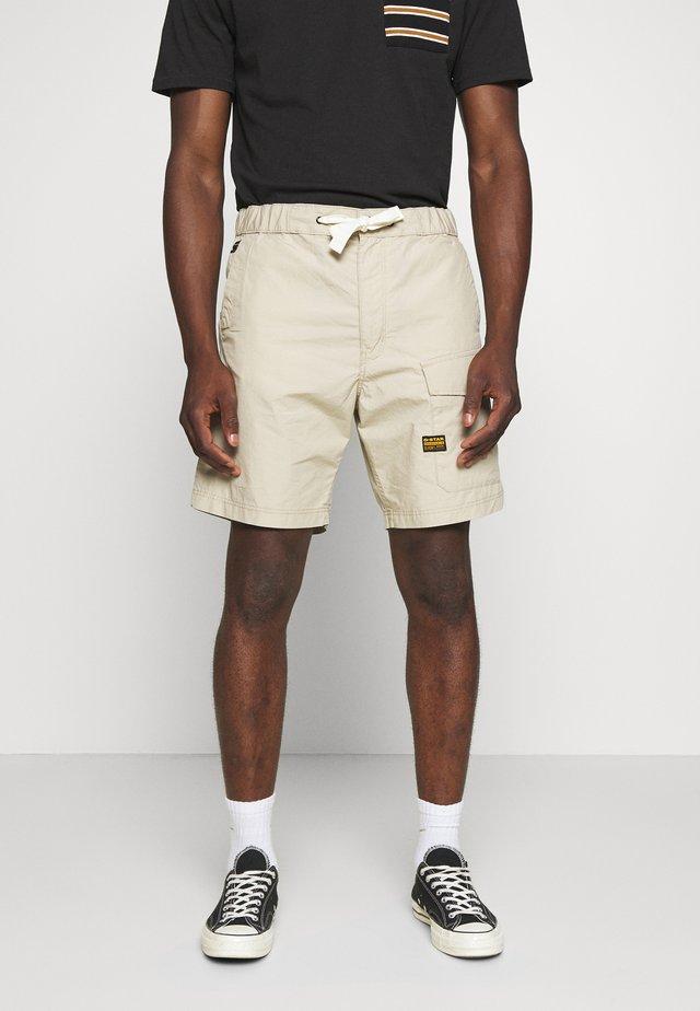 FRONT POCKET SPORT SHORT - Shorts - khaki