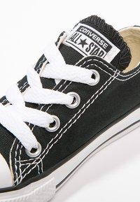 Converse - CHUCK TAYLOR ALL STAR CORE - Sneakersy niskie - black - 5