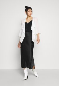 Vila - VIALLI 3/4 COVER UP - Blazer - cloud dancer - 1