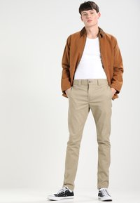 Dickies - SLIM SKINNY WORK PANT - Chino kalhoty - british tan - 1