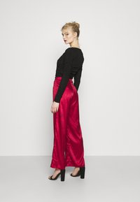Never Fully Dressed - RED VOGUE TROUSER - Trousers - red - 2