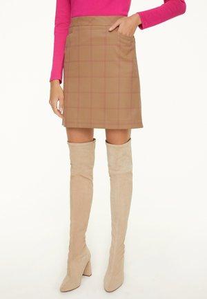 A-line skirt - camel woven check