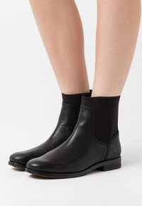 Timberland - SOMERS FALLS CHELSEA - Bottines - black - 0