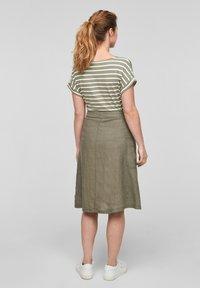 s.Oliver - Print T-shirt - summer khaki stripes - 2