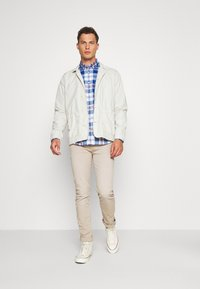 GAP - POPLIN SHIRTS - Shirt - plaid baltic blue - 1
