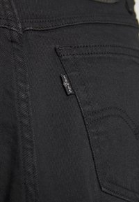 Levi's® - MOM JEAN - Jeansy Zwężane - flash black - 5