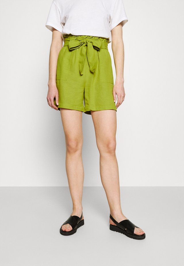 ONLSMILLA VIVA LIFE LONG BELT  - Shorts - green