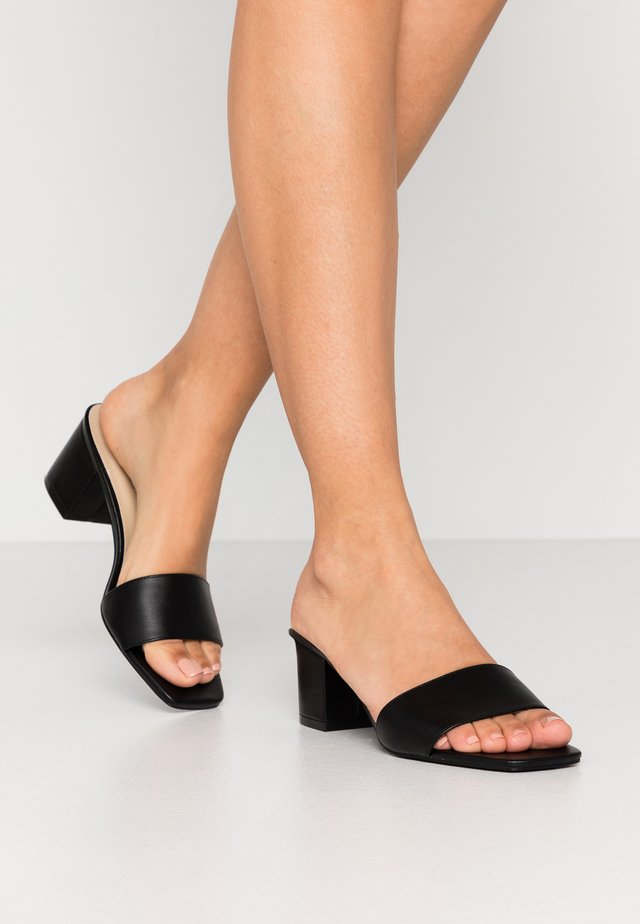 ALL DAY HEEL - Muiltjes met hak - black