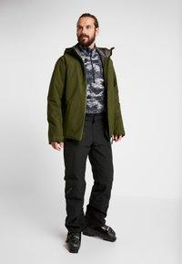 PYUA - VOID - Snowboard jacket - rifle green - 1