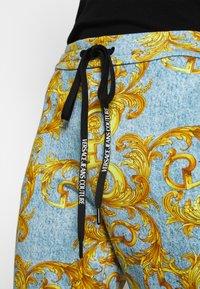 Versace Jeans Couture - Pantalon de survêtement - azzurro scuro - 5