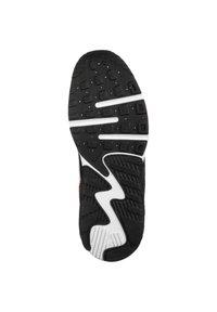 Nike Sportswear - AIR MAX EXCEE - Trainers - white / white / black / flash crimson - 4