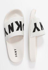 DKNY - ZAX SLIDE  - Mules - white/black - 3