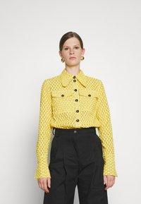 Victoria Victoria Beckham - PATCH POCKET SHIRT - Blouse - sicilian lemon - 0