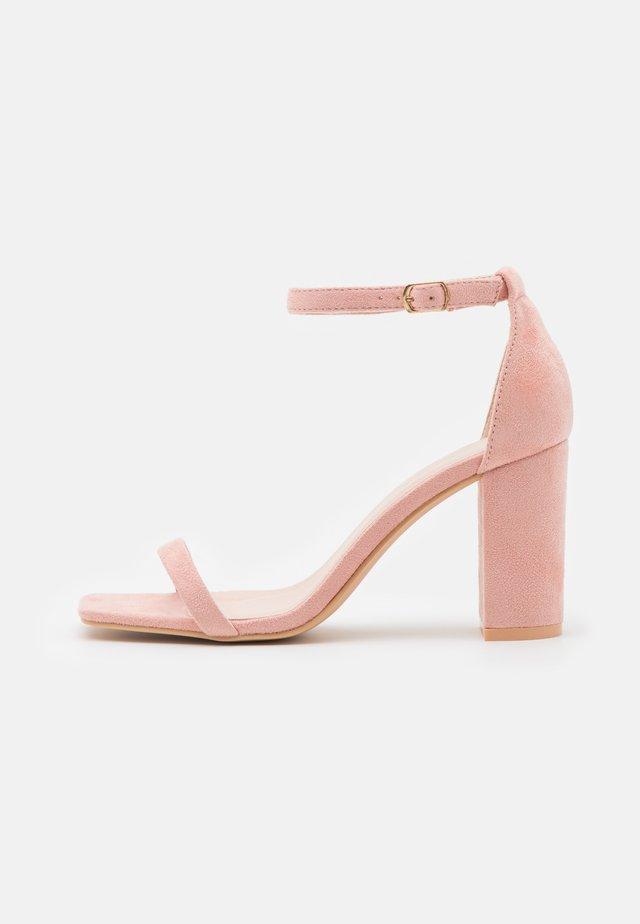 Sandalen - blush